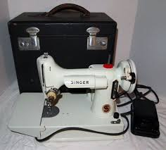 Singer 221k Featherweight Sewing Machine