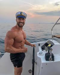 """CHARLIE JOHNSON🇬🇧🇪🇸 on Instagram: """"You are the Captain of your Life🔥 -  YOU choose the destination of where you will go on yo… 