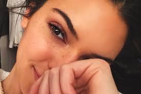 kendall jenner freckles