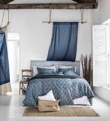Schlafzimmer Im Maritimen Look Stuhl Bett Teppich