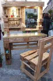 gorgeous mirrored pallet vanity set with jewelry rack