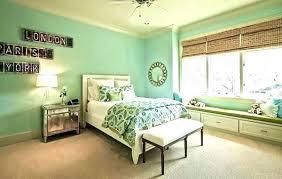 mint green bedroom green bedroom paint best hunter green bedrooms ideas on green mint green wall