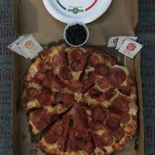 photo of round table pizza honolulu hi united states pepperoni salami