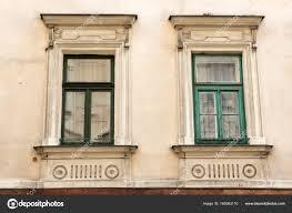 Zwei Vintage Design Grüne Fenster An Der Fassade Des Alten Hauses