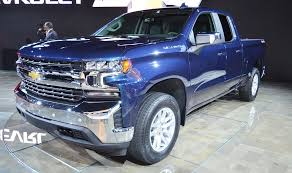 2019 Chevy Silverado with 4-cylinder engine rated at 21 mpg combined