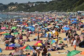 At the 2011 census, the town had a population of 183,491. Major Incident Declared As Thousands Pack Bournemouth Beach Daily Mail Online