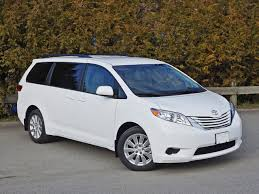 2015 Toyota Sienna LE AWD Road Test Review | CarCostCanada