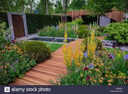 the homebase garden urban retreat by adam frost gold award chelsea flower show