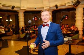 Ведущий Ведущий Дмитрий Гусев