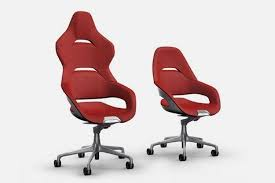 These Ferrari-Designed Office Chairs Will Make You Feel Like You're Sitting  In A Supercar Cockpit