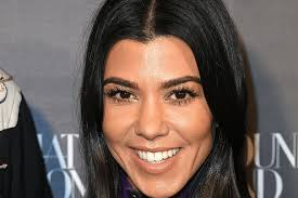 kourtney kardashian s new haircut will have you running to your stylist