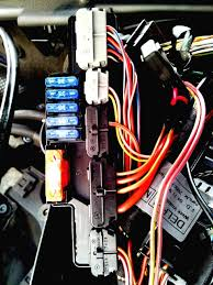 supercharger fault help please mercedes benz forum red green wire is 3 on block b second block from the bottom ignore the in line fuse holder i ve disconnected it from the loom