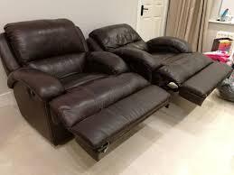 one single lazy boy armchair recliner