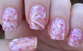 Life World Women: Negative Space Water Marble Nail Art In Pink & White