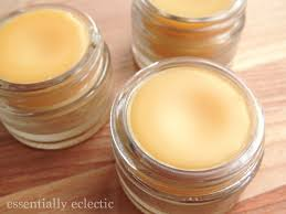 learn how to make your own affordable all natural peppermint cocoa lip balm using peppermint