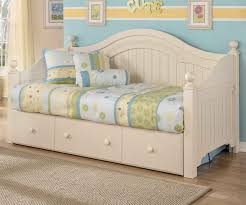 Cottage Retreat Day Bed with Trundle