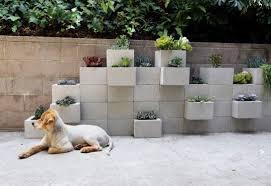 São muitas as opções de jardins e canteiros,. Ideias De Hortas E Jardins Verticais Utilizando Blocos De Concreto