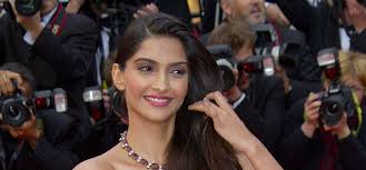 10 images of sonam kapoor without makeup