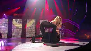 Shakira - She wolf - America's got talent - YouTube