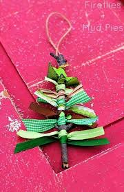 36 Easy Christmas Crafts - Scrap Ribbon Tree Ornaments
