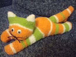 Cómo hacer un lindo gatito con un calcetín