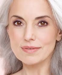 these makeup tips for aging skin will help older women apply makeup correctly when it es to aging skin there are diffe makeup application tips
