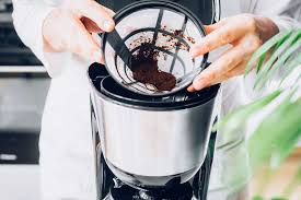 How to clean a coffee pot with vinegar. How To Clean A Coffee Maker
