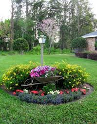 front yard garden ideas. Elegant Flower Garden Designs With Stylish Lamp Post For Front Yard Ideas
