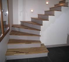 Habiller Un Mur Exterieur En Bois 3 Escalier Beton Sur Des Idées Pour  Habiller Un Mur Exterieur En Beton
