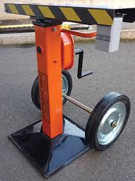 Safety trailer jack stand with crank handle jacks stands