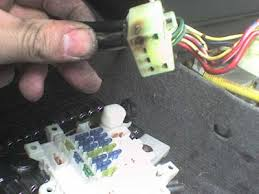 2001 geo metro fuse box wiring diagram \u2022 fuse box problems on dodge caravans geo metro fuse box wiring diagram rh blaknwyt co 2001 chevrolet metro 2001 chevy metro problems