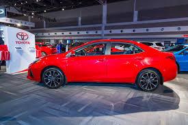 Ottawa Auto Show 2017: 2017 Toyota Corolla by - Mendes Toyota in ...