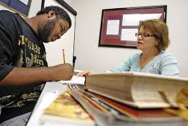 adult literacy league provides reading tutors in orlando  at 24 he s learning to tutoring from adult literacy league