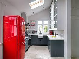 Например сивата компактна кухня има перфектно ниво на. Siva I Chervena Kuhnya Harmonichni Asociacii V 48 Idei Soglass Info