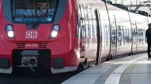 Check spelling or type a new query. Bahn Streik 2021 Lokfuhrer Streik Verschoben Gdl Plant Vorher Urabstimmung News De