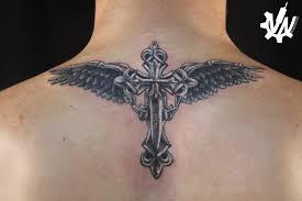 татуировка на спине у парня крест и крылья фото рисунки эскизы