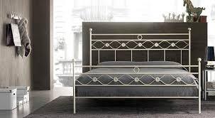 La scelta del letto è fondamentale nella costruzione della camera dei propri sogni! Letti Singoli Letti A Una Piazza E Mezza Letti Matrimoniali