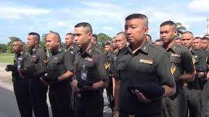เครงครด ทหารกองพนทหารปนใหญท 5 คายพระปกเกลา นำรอง