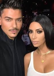 pics kim kardashian s dubai master cl look see smokey eye makeup hollywood life