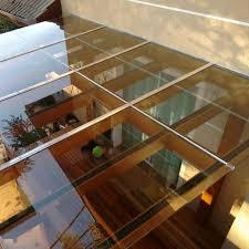 Terraço com cobertura em vidro. Pergolado Com Vidro 60 Ideias Para Trazer Conforto Para Sua Area Externa