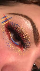 fashion makeup look for blue eyes pretty how to wear blue eyeshadow makeup magic beauty