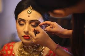 ultimate guidelines for hiring a wedding makeup artist
