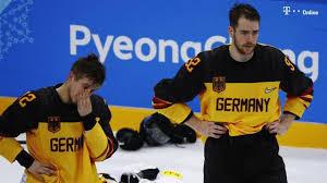 Eishockey ist eine mannschaftssportart, die mit fünf feldspielern und einem torwart auf einer etwa 60 m langen und 30 m breiten eisfläche gespielt wird. Olympia 2018 So Schaffte Marco Sturm Das Eishockey Wunder