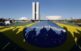 Resultado de imagem para manifestação em brasília