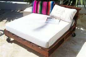 wooden pallet daybed ideas pallet wood projects