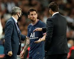 Leo Messi suffers a contusion in the left knee