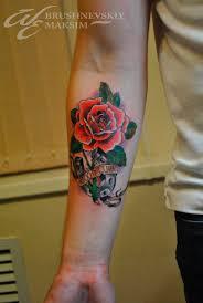 татуировка розы на руке мужские