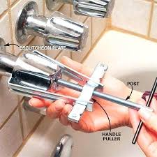 leaking bathtub how to fix a leaking bathtub faucet leaking bathtub drain repair repairing bathtub drain