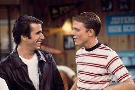 Emmys 2018: Henry Winkler, Ron Howard Have Happy Days Reunion