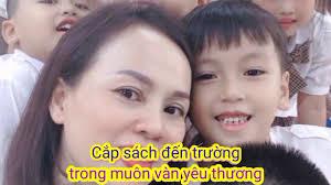 Karaoke (Tách lời) Em yêu trường em. Sáng tác: Nhạc sỹ Hoàng Vân. - YouTube